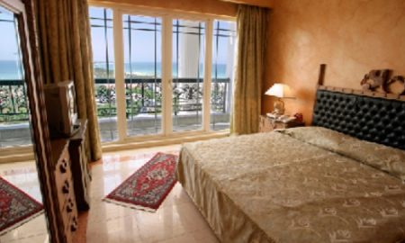 dariush-hotel-room-wpcf_800x405